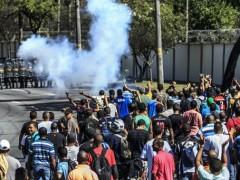 Trabalhadores da EISA protestaram na Estrada do Galeao contra possiveis demissoes