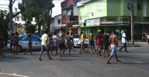 Operacao da Policia Civil termina com dois mortos e protestos de moradores