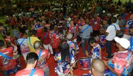 União da Ilha: 12 sambas permanecem na disputa para o carnaval 2016