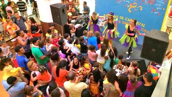 Ilha Plaza promove Bailinho de Carnaval para as criancas