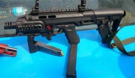 Operação do 17ºBPM apreende granada, armas e drogas no Galeão