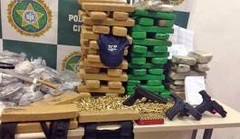 Polícia combate o tráfico no Morro do Dendê e apreende armas e drogas