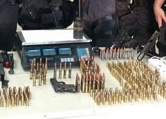 Perseguição e tiroteio no Cacuia termina com apreensão de armas e munições