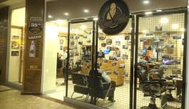 Barbearia Dom Hélio inaugura no Ilha Plaza ao som de Blues e Rock