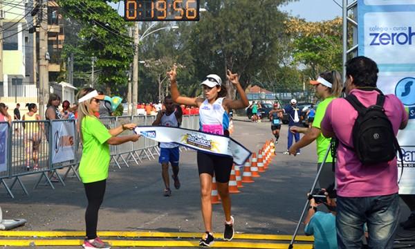 A atleta Mirna, de Cabo Frio, venceu as três etapas deste ano - Foto: Larissa Bernardino