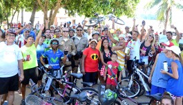 'Bike Folia' reuniu 400 ciclistas foliões na Ilha do Governador