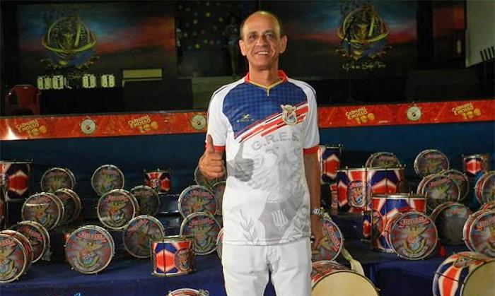 Mestre Cica renova com a Uniao da Ilha do Governador