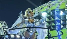 TV Globo não mencionou nome de Xuxa na transmissão do desfile da Grande Rio