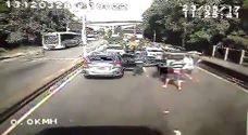 Vídeo mostra bandidos fechando a 'Ponte Velha' do Galeão para assaltar caminhão de carga