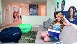 'Jogada de marketing': Larissa Manoela aluga casa nos EUA para fãs por diária de R$ 3 mil