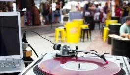 Música, moda e gastronomia no Bazar da Karen neste sábado, dia 8